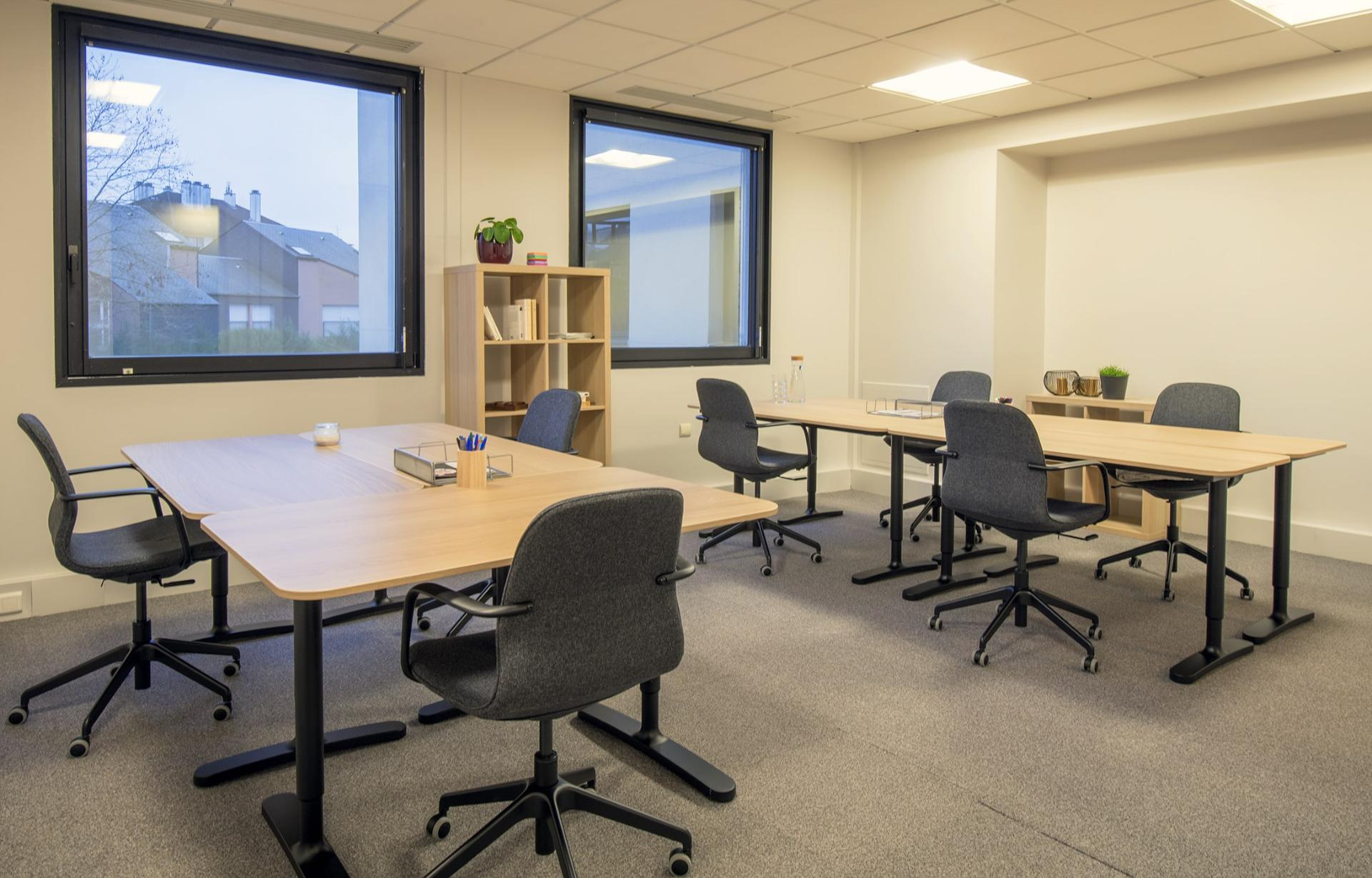 caption/coworking-bureau-ferme-saint-ouen-urbidesk-9jsm.jpg