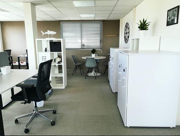 caption/coworking-open-space-marseille-urbidesk-tep2.JPG