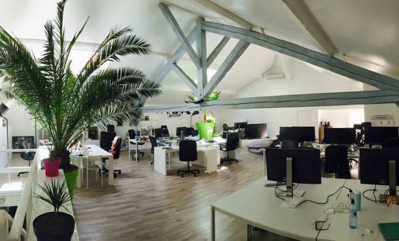caption/coworking-open-space-villeurbanne-urbidesk-fniv.jpg