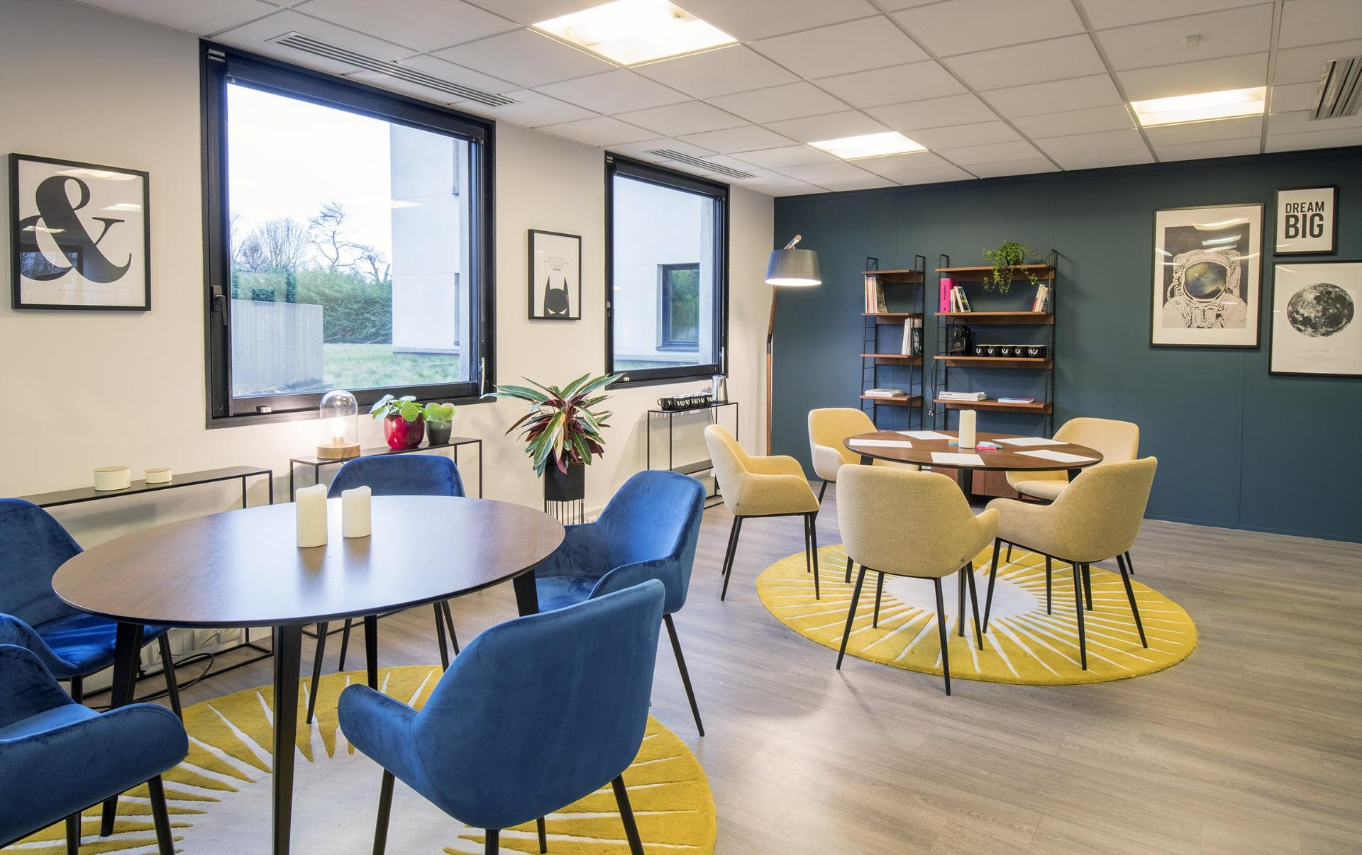 caption/coworking-salle-de-reunion-saint-ouen-urbidesk-rlu3.jpg
